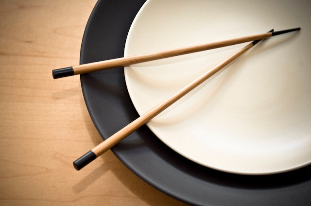 Kako se jede sa kineskim štapićima