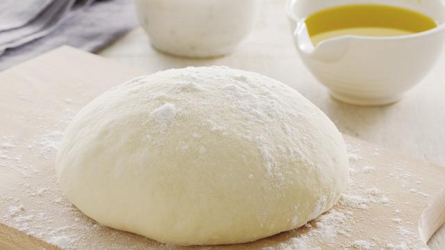 Kako napraviti testo za picu sa i bez kvasca - recepti