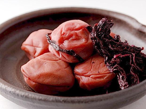 Japanska crvena umeboši šljiva